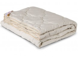 Одеяло стеганое всесезонное из верблюжьей шерсти в тике (300гр.)
