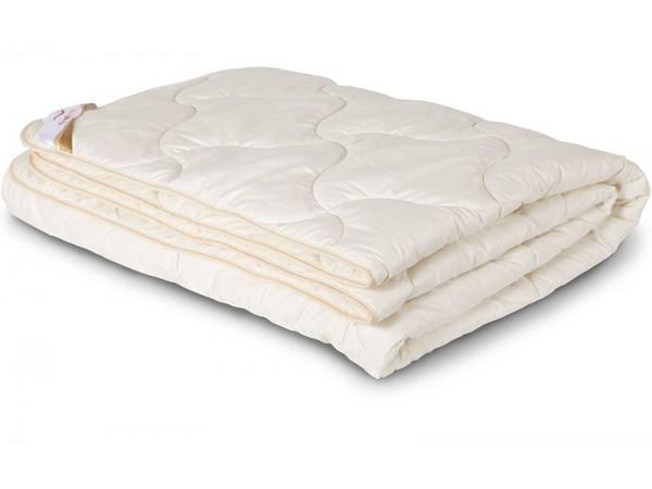Одеяло стеганное облегченное из шерсти Ангоры в сатине (200гр.)