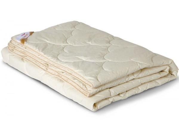 Одеяло стеганое облегченное из шерсти мериноса в тике (200гр.)